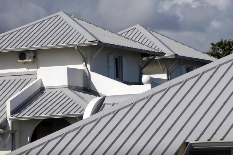 how to repair a metal roof